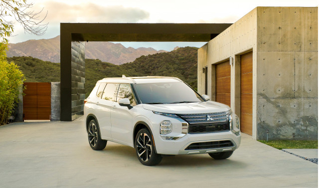 First drive: 2022 Mitsubishi Outlander SUV looks different, feels Roguish