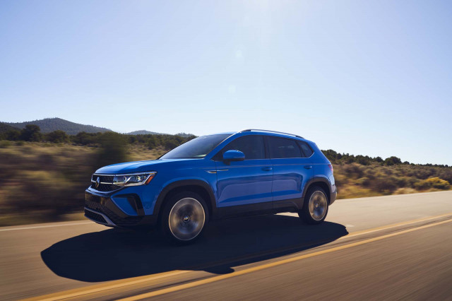 2022 Volkswagen Taos debuts, Bentley Flying Spur preview, Lucid Air priced: What's New @ The Car Connection