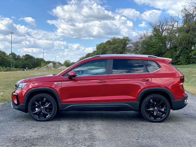 2022 Volkswagen Taos revisited, Hennessey Venom targets TRX, Lucid Air tops EV range: What's New @ The Car Connection