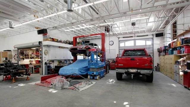 Auto Repair Garage Floor Plans: Got A Spare $4 Million? Buy A 40-Car Garage (Plus House