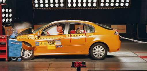 adac 50mph crash test shows weaknesses even in top rated cars. Black Bedroom Furniture Sets. Home Design Ideas