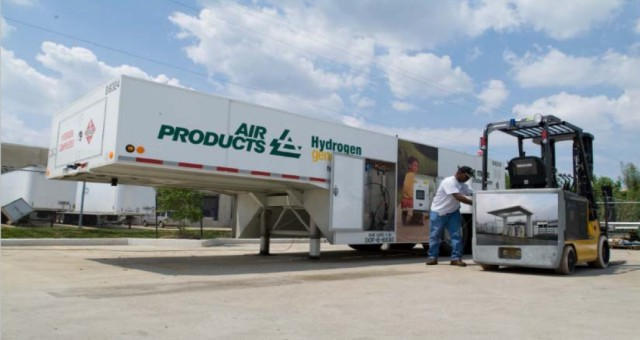 Air Products HF-150 portable hydrogen fueler