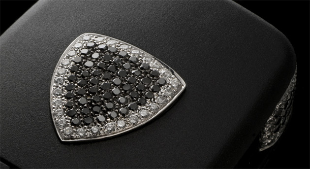 The Amosu Luxury Lamborghini key fob has a total of 183 diamonds infused in it