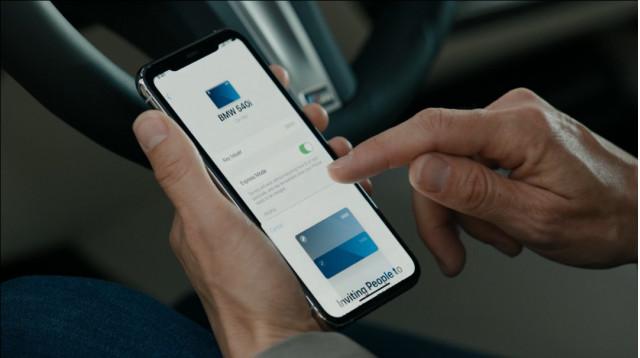 Apple updates CarPlay, rolls out digital CarKey