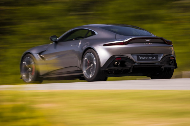 2019 aston martin vantage debuts with bold look raucous v 8. Black Bedroom Furniture Sets. Home Design Ideas