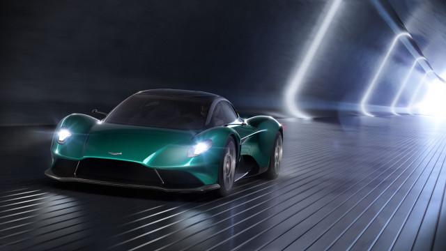 Aston Martin Vanquish Will Spawn Amr Pro Convertible Variants
