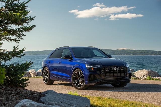 2022 Audi Q8 (SQ8)