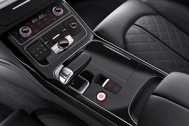 2016 audi s8 plus revealed with 605 horsepower. Black Bedroom Furniture Sets. Home Design Ideas