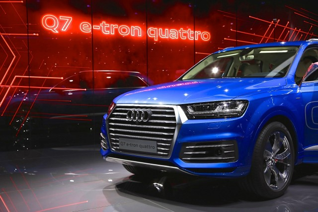 2017 Audi Q7 E Tron Quattro Diesel Plug In Hybrid Live Photos From
