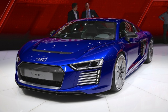 Report Audi R To Go Electric - Audi r8 etron