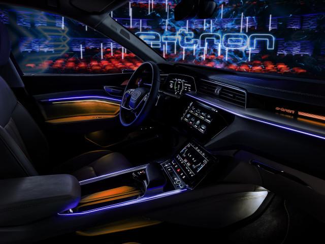 Audi e-tron interior image
