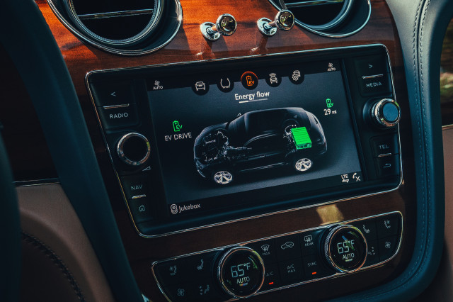 2020 Bentley Bentayga Hybrid First Drive Review Charge Port Gained No Prestige Lost