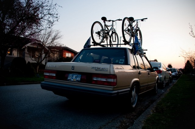 Bicycle racks can affect aerodynamics (Image: Flickr user kardboard604)