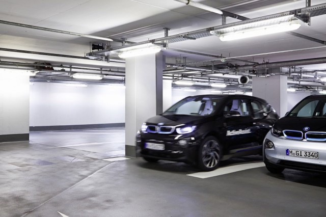 BMW i3 Remote Vehicle Parking Assistant, coming to 2015 CES