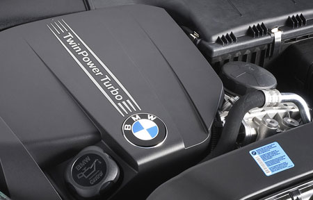 first four cylinder bmw twinpower turbo engine debuts in. Black Bedroom Furniture Sets. Home Design Ideas