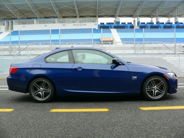 First Drive BMW Is Sings Out To Weekend Racers - 2012 bmw 335is coupe