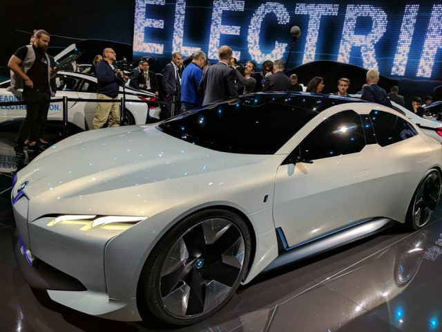 Which Non Tesla Maker Will Sell Most Electric Luxury Cars By 2020