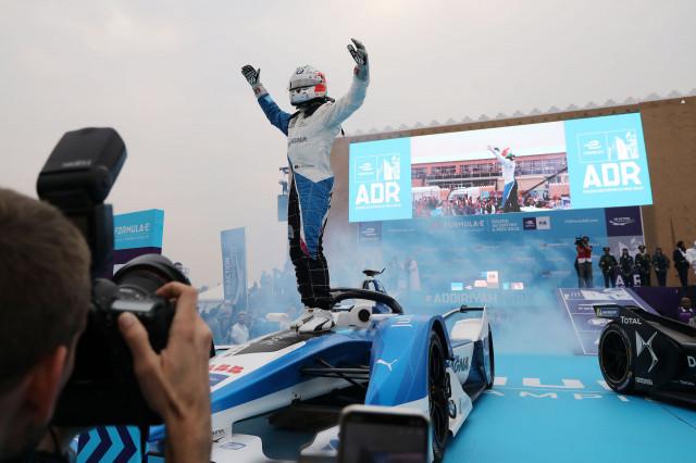 António Félix da Costa wins first Formula E race for BMW