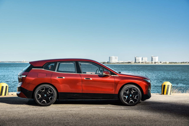 BMW iX SUV charges EV lineup, Jeep Moab concepts unveiled, Wrangler 4xe rated: What's New @ The Car Connection
