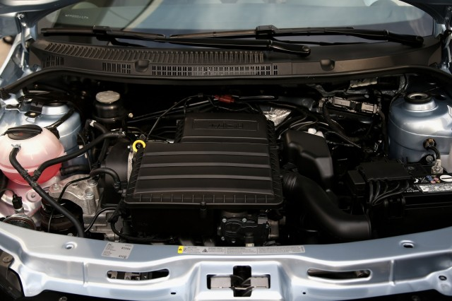 Engine compartment of Volkswagen Saveiro, Brazilian flex-fuel vehicle