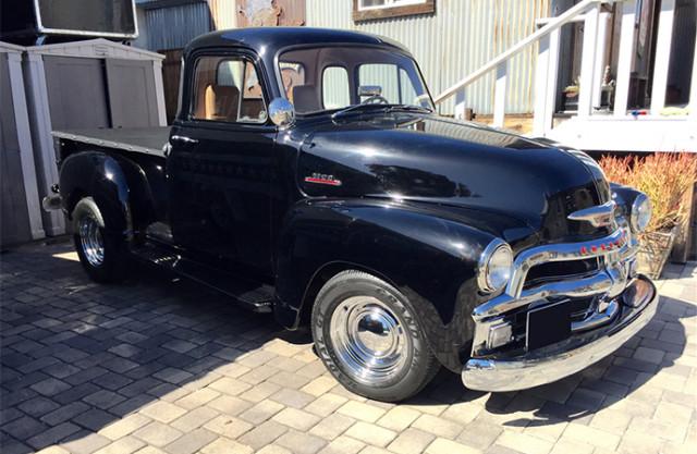 Bruce Willis-owned 1954 Chevrolet 3100 truck