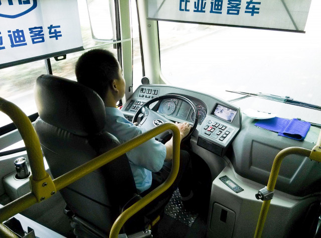 BYD K9 electric bus cockpit, by Linuxthink (Own work) [CC BY-SA 3.0]