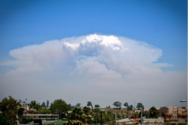 CA wildfire, by Flickr user modenadude