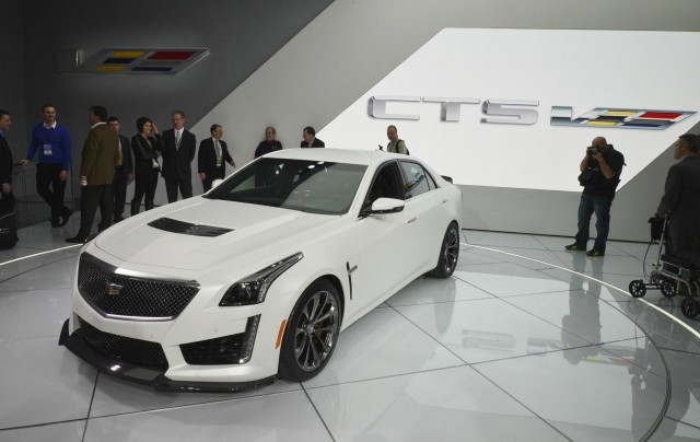 2016 Cadillac Cts V Debuts In Detroit Live Photos Video