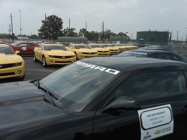 Image Camaros Staged For Caravan To Houston Photo Gmtexas Via Twitter Size 600 X 450
