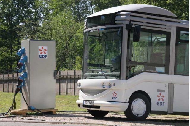 Challenge Bibendum 2006 - Electric Bus Recharging