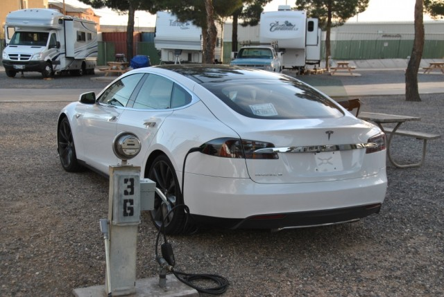 Charging Tesla Model S electric car at RV park [photo: Elliot Alexander on Microbattery.com]