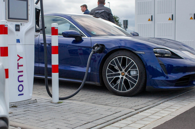 Charging the 2020 Porsche Taycan Turbo