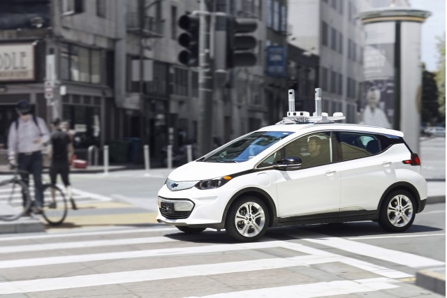 GM targets 2019 for U.S. launch of self-driving vehicles