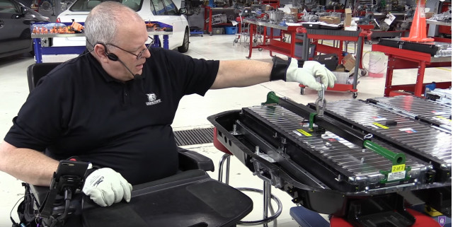 Chevrolet Bolt EV electric car battery-pack disassembly [video: Weber State University, Utah]