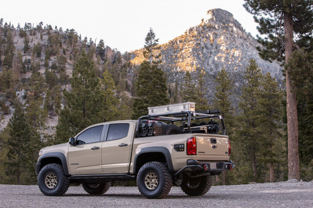 Chevrolet Colorado ZR2 AEV 2017 SEMA concept