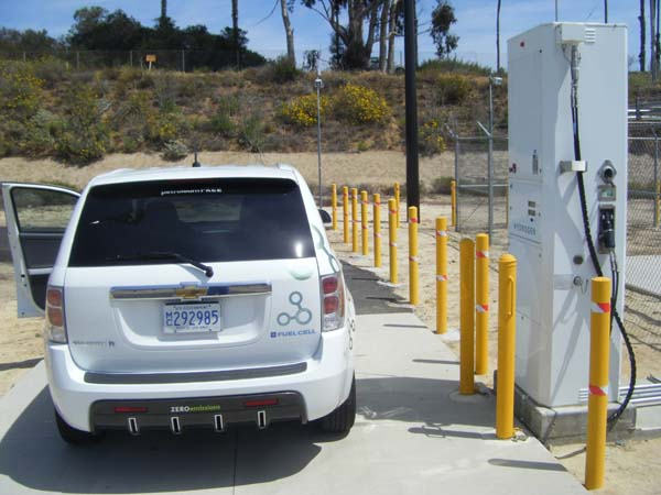 Chevrolet Equinox Fuel Cell vehicle at Camp Pendleton hydrogen fueling station, photo by Joe Tash