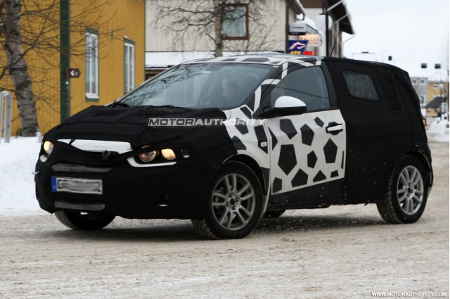 chevrolet mystery hatchback spy shots 003