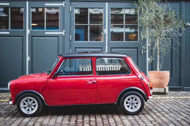 Classic Mini Cooper electric conversion by Swind