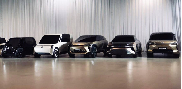 Toyota EV with solid-state batteries: 10-minute full charge, prototype  reportedly due in 2021