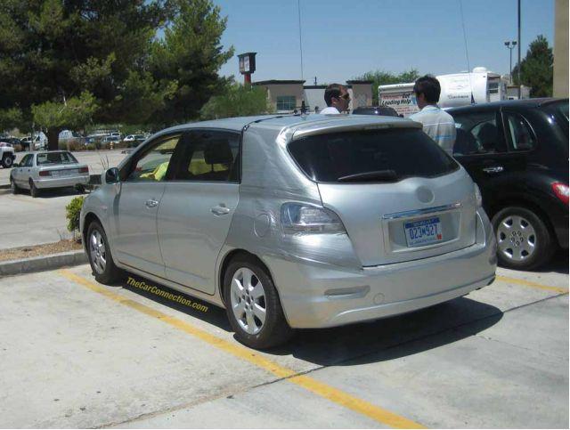 Crossover vehicle Alain de Leon