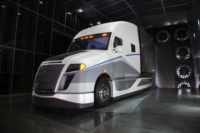 Daimler Trucks North America SuperTruck