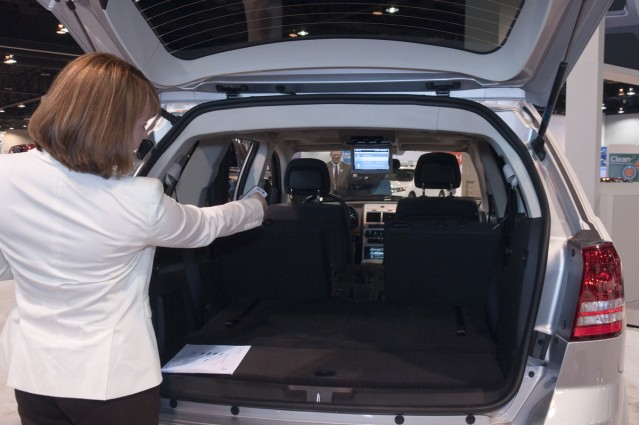 Wendy Orthman Shows the Live TV System in a 2010 Dodge Journey