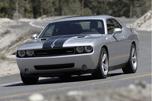 2010 dodge challenger reviews