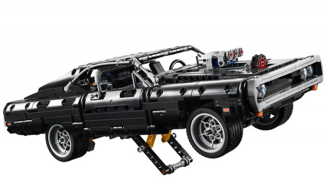 Dom's Dodge Charger - Lego Technic kit