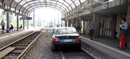 Driver follows GPS and ends up on train tracks