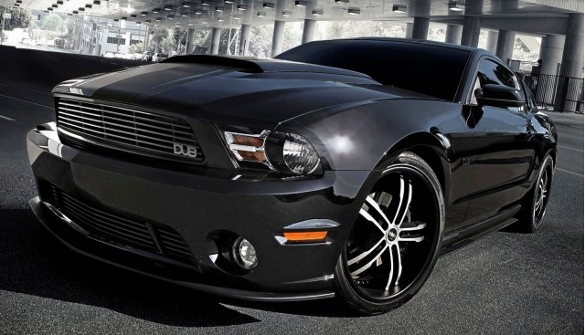 DUB Edition 2011 Ford Mustang