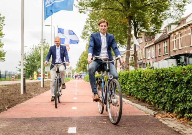 Dutch coalition PlasticRoad bike path