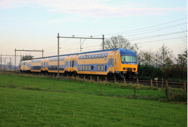 Dutch NS electric train by Flickr user Riel Hemkes (Used under CC License)
