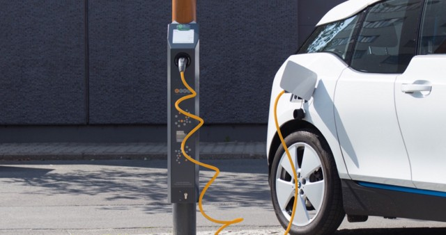 As Ev Popularity Increases Oil Firms Look To Install Chargers At