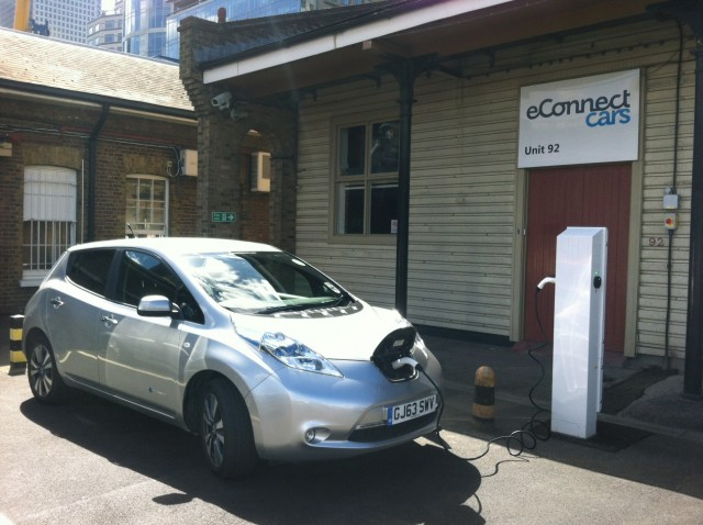 eConnect Cars Nissan Leaf taxi